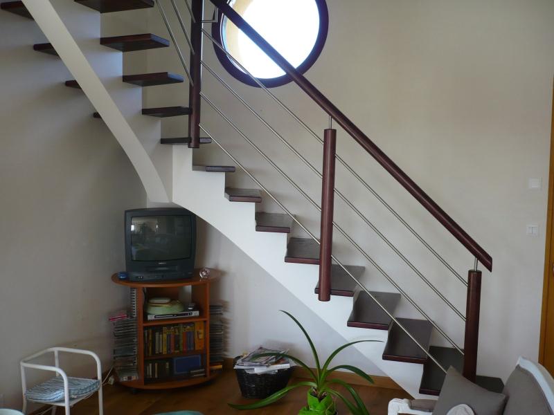 escaliers bois et tubes inox menuiserie raguet blain. Black Bedroom Furniture Sets. Home Design Ideas