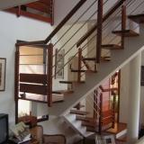 escalier-contemporain-avec-palier