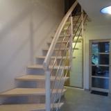 escalier-frene-rampe-poteaux-cylindriques