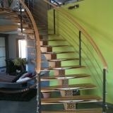 escalier-limon-et-rampe-lamelle-colle